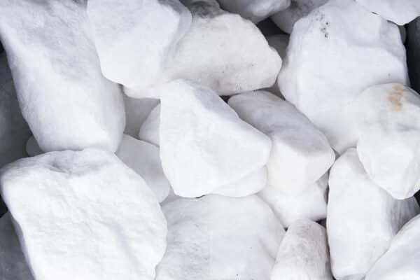 Schneeweiss Steinschlag, 40-80 mm - Muster ca. 1 kg (inkl. *10 € Gutschein)